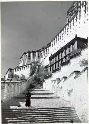 south-steps-of-potala
